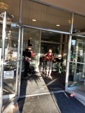 Rocking Al Fresco concert at Windermere lobby